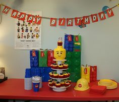 Two Silly Boys: Lego Party Head on top of cupcake stand