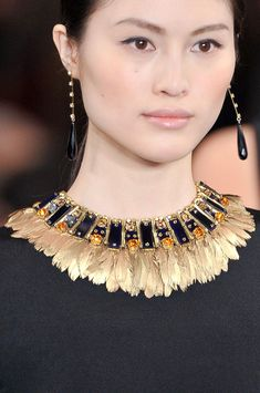 feathers, warrior princess, gold, stones, beads, choker