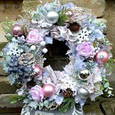 Svítící věnec shabby chic Christmas Deco, Floral Wreath, Shabby Chic, Wreaths, Decorations, Home Decor, Christmas Decor, Floral Crown, Decoration Home
