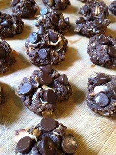CHOCOLATE COCONUT QUINOA GLUTEN FREE COOKIES 2 tbsp chia seeds  6 tbsp water  1/2 cup uncooked quinoa  3 tbsp coconut oil  1 tsp cinnamon  1 tsp maple syrup  1 cup water  1/2 cup brown rice flour  1/2 cup tapioca flour  1 tsp xanthan gum  2 tbsp cocoa  1/4 cup succanat  2 tbsp peanut butter  1/2 cup unsweetened coconut flakes  3/4 chocolate chips