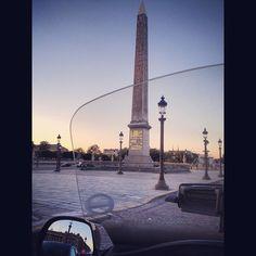 Honda Goldwing - New Way Taxi Moto.  Place de la concorde, Paris #taximoto #mototaxi #taxi #paris Lyon, Concorde, Cn Tower, Honda, Building, Travel, Motorbikes, Viajes, Buildings