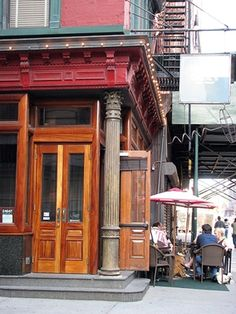 Onieal's Speakeasy: Referred to as Scout on SATC Onieal's Speakeasy is where scenes from Scout, the show's popular bar, are shot. Onieal's Speakeasy: Address: 174 Grand Street ...