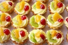 Home recipe: Mini fruit pies - # home # fruits # recipe # tarts - - - Mini Fruit Pies, Mini Cheesecakes, Sweets Recipes, Fruit Recipes, Cookie Recipes, Small Desserts, Mini Desserts, Mini Pastries, Homemade Sweets