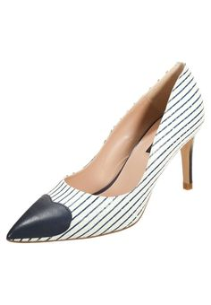 Zinda Czółenka white/navy / heels with heart