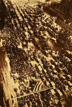 Chaos on Michigan Ave as the city celebrates the end of WW I, 1918.