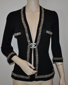Chanel gold chains & tweed trimmed black cotton cardigan jacket. Spring-Summer 2010 / 10P collection.