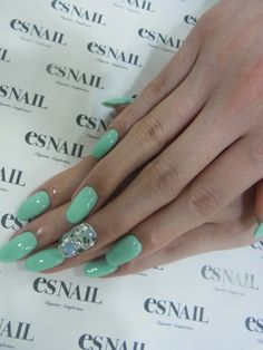 Obsessed with mint green for spring (PASTELS) Es Nails, Love Nails, Hair And Nails, Fabulous Nails, Gorgeous Nails, Pretty Nails, Green Nails, Mint Nails, Super Cute Nails