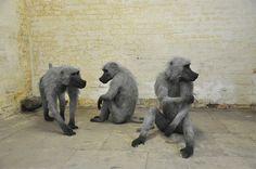 Wat iemand met een fikse dosis creativiteit al niet kan doen met enkel simpel kippengaas. De apen, leeuwen, olifanten en giraffen van kunstenares Kendra Haste zijn verbluffend levensecht. Ze worden getoond op publieke plekken zoals de dertien dieren die staan opgesteld rond de Tower of London, maar zijn deels ook in privé bezit, waar ze ongetwijfeld een imposante indruk maken in de hal of woonkamer van iederwoonhuis. Meer inspiratie? Meld u aan voor de gratis inspiratiemail en ontvang de…