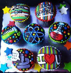 Muffins/Cupcakes por el día del químico! 1/12/14  #Muffins #Cupcakes #Quimicos #quimica #chemical #diadel quimico #gift #atomo #probeta #Matraz #micoscopio