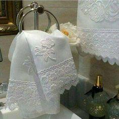 Trim for pillows case Kitchen Hand Towels, Bathroom Towels, Bath Towels, Hand Embroidery, Machine Embroidery, Embroidery Designs, Lace Bedding, Embroidered Towels, Decorative Towels