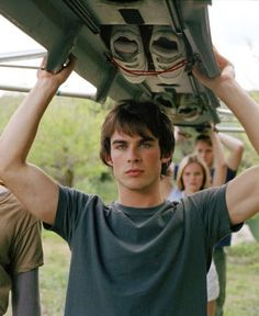 When people ask why I watch the vampire diaries.I show them this picture:) Serie The Vampire Diaries, Damon Salvatore Vampire Diaries, Ian Somerhalder Vampire Diaries, Vampire Diaries Wallpaper, Vampire Diaries The Originals, Ian Somerhalder Young, Ian Somerholder, Beautiful Boys, Pretty Boys