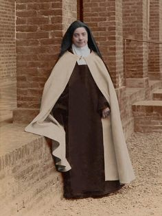 Marie of the Trinity Sainte Therese, St Therese Of Lisieux, Pope Pius Xi, Santa Teresa, Best Places To Live, Catholic Saints, Ocd, Snoopy, Faith