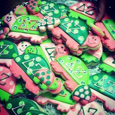 So darn cute.  Delta Zeta turtles.