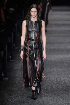 111 Best Dark Fashion images   Dark fashion, Fashion show, Clothes 50b85bb2d8