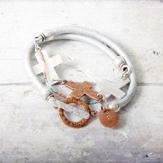Bracelet ....leather, plated , silver,gold and copper. Handmade. www.baronessa.nl