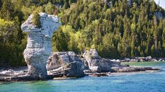 10 Secret Destinations in Ontario Ontario, Destinations, Blue Pool, Camper, Parcs, The Great Outdoors, Underwater, Places To See, Mount Rushmore