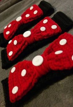 Items similar to Crocheted Minnie Mouse Themed Headband/Ear Warmer on EtsyHey, I found this really awesome Etsy listing at… Crochet Baby Hat Patterns, Crochet Headband Pattern, Crochet Baby Hats, Crochet Beanie, Crochet For Kids, Diy Crochet, Crochet Crafts, Crochet Projects, Crochet Headbands
