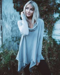 Taupe sweater with loose cowl neck. More Details Materials: Cotton, Acrylic. Cara Van Brocklin, Cara Loren, Pretty Outfits, Pretty Clothes, Autumn Winter Fashion, Winter Style, Casual Chic, Taupe, Kids Outfits