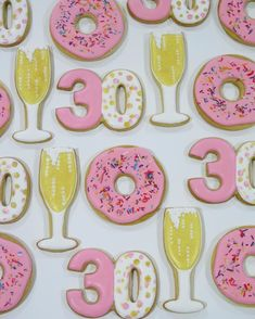 champagne and donut cookies 28th Birthday, Golden Birthday, 30th Birthday Parties, Birthday Ideas, Birthday Cookies, Cupcake Cookies, Sugar Cookies, Champagne Birthday, Champagne Party