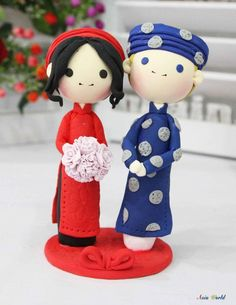 Vietnam Traditional simple Ao Dai Wedding cake topper clay doll, Engagement party decoration clay figurine, Bridal shower clay miniature