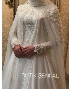Dear Dilruba Sultan, with a sweet-tongued halter, peace of mind, home … – Wedding Dresses Muslimah Wedding Dress, Muslim Wedding Dresses, Hijab Bride, Wedding Hijab, Wedding Gowns, Girl Hijab, Wedding Outfits, Most Beautiful Dresses, Engagement Dresses