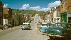 Cripple Creek Colorado - 1957 now destroyed by gambling.We were here in 1968 while traveling to California. It was so quaint & fun to visit & loved that the streets are paved with gold dust.at least that's what we were told! Cripple Creek Colorado, Colorado Homes, Colorado Usa, Colorado Springs, His Travel, Ghost Towns, Rocky Mountains, Old Photos, Vintage Photos