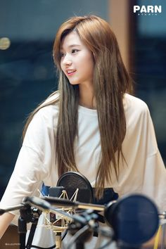 Korean Fashion On The Streets Of Paris Kpop Girl Groups, Kpop Girls, Nayeon, Sana Kpop, Sana Cute, Sana Minatozaki, Twice Sana, Dahyun, Entertainment
