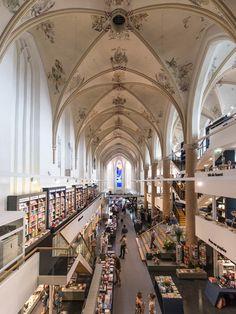 Waanders In de Broeren_Achter de Broeren 1-3, 8011 AV Zwolle, Netherlands. Waanders Boekverkopers_juli 2013_BK. Architecten