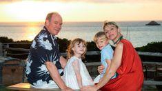 Family Portraits, Family Photos, Couple Photos, Prince Albert Of Monaco, Olympic Swimmers, Photos Of Prince, Charlene Of Monaco, Princess Charlene, Civil Ceremony