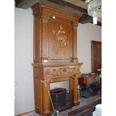 Houten schouw met opbouw. Een bijzondere oude houten schouw met opbouw ...