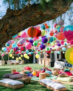 Festival Garden Party, Festival Themed Party, Garden Party Decorations, Coachella Party Decorations, Festival Decorations, Outdoor Party Decor, Coachella Party Theme, Paper Fans, Partys