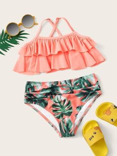 To find out about the Girls Tiered Layer Top With Random Palm Print Bikini at SHEIN, part of our latest Girls Swimwear ready to shop online today!