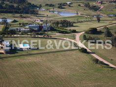 Excepcional desarrollo a pocos metros del océano ( Uruguay, Maldonado, Ruta 104 )