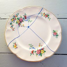 Sugru Kintsukuroi Plate. beautifulrepair.wordpress.com