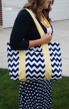 The Jumbo Bag {sewing tutorial} | The Creative MomThe Creative Mom