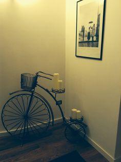 Passeggiando in bicicletta dentro casa