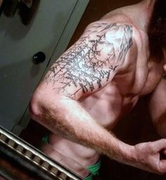 Don't really like the tat but I like the placement.