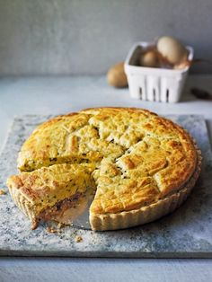 Caramelised onion and walnut soufflé tart recipe. This pillowy tart has cheese and sweet onion notes, with a nutty base Tart Recipes, Gourmet Recipes, Baking Recipes, Onion Recipes, Uk Recipes, Meatless Recipes, Savory Pastry, Savory Tart, Savoury Pies