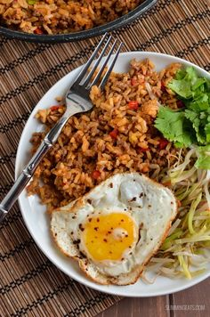 Nasi Goreng - gluten free, dairy free, Slimming World and Weight Watchers friendly Cooked Chicken Recipes, Beef Recipes, Cooking Recipes, Healthy Recipes, Rice Recipes, Savoury Recipes, Teriyaki Chicken And Rice, Slimming World Recipes Syn Free, Dairy Free Recipes