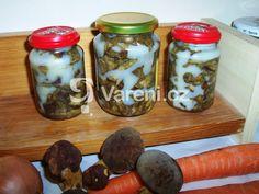 Houby zavařené v tuku v zimě používáme stejně jako čerstvé. Vareni.cz - recepty, tipy a články o vaření.