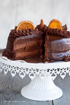 La Cuoca Dentro: Torta Cioccoarancia Preferisco le torte semplici ma per qualche compleanno o richiesta speciale può essere fantastica