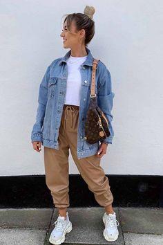 Moda Streetwear, Streetwear Fashion, Winter Fashion Outfits, Winter Outfits, Autumn Fashion, Oversized Denim Jacket Outfit, Denim Jacket Outfit Winter, Zara Denim Jacket, Denim Outfit