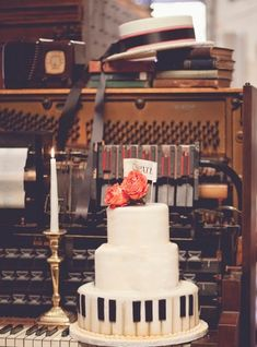 musical cake, nbarrett photography  simple (I don't even know if you are going with a music theme, but I'm pinning like you are. ha)