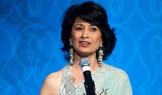 Renu Khator, President of the University of Houston, accepts Light of India Award. Photo: www.michaeltoolan.com.