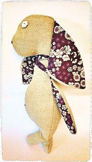 Sieg Hilde: Saga - Constance, petite lapine cousue de liberty #peinture #couture #liberty #lin #beige #rune #lapin #rabbit #chalk #doudou #enfant #child #handcraft #diy #faitmain #peluche #bébé #baby #viking #pagan #cadeau #sewing #surjeteuse #futhark #fimo #fleur #flower