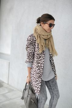 9690474207b leopard-jacket-grey-tee-beige-scarf- Stylish outfits by lovely pepa