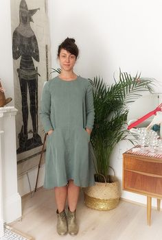 Blog | Kettle Yarn Co. - Grainline Farrow dress in Cupro twill.
