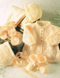 baby pram suit   vintage knitting pattern PDF instant download