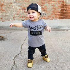 This 15 Newborn Baby Boy Fashion Outfits for Spring is So Cute! Outfits Niños, Cute Baby Boy Outfits, Boys Summer Outfits, Kids Outfits, Summer Boy, Fashion Outfits, Fashion Boots, Toddler Boy Fashion, Little Boy Fashion