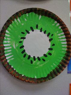 Kiwi Fruit Craft for summer theme.